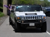 hummer with 2 girls